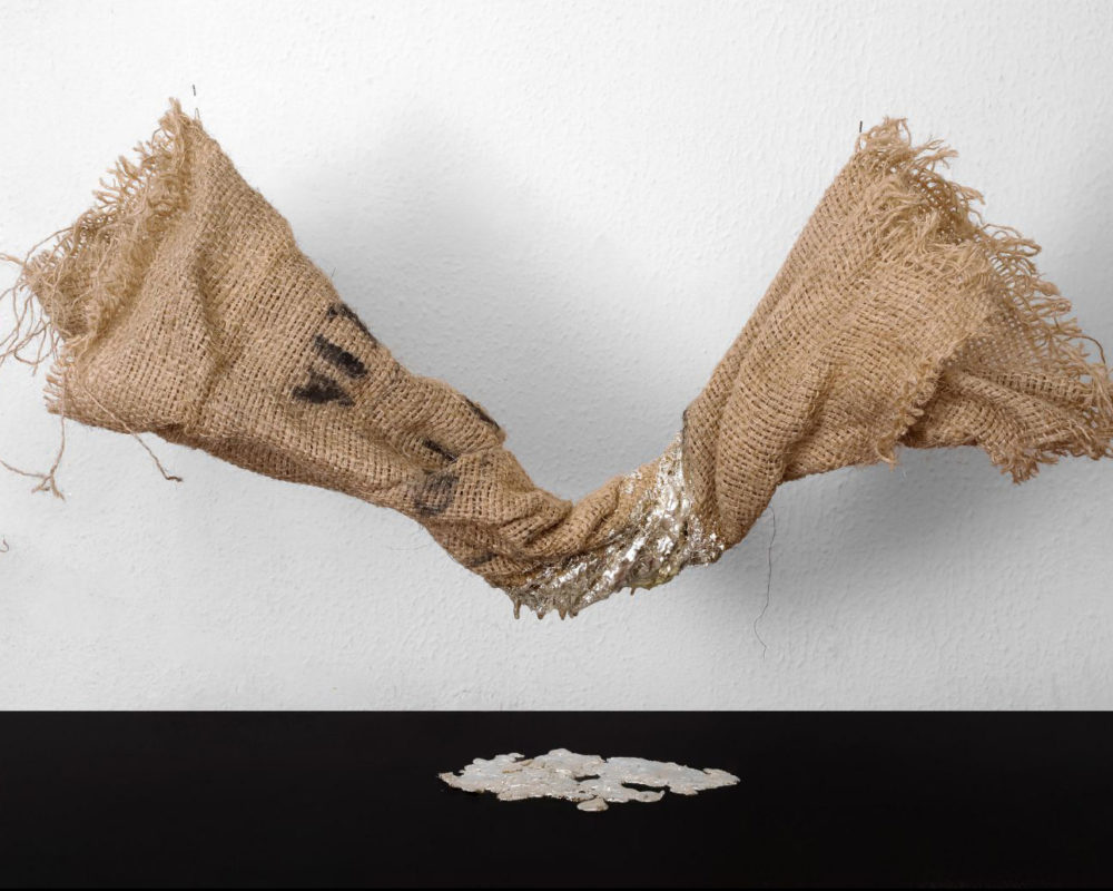 Tania Welz Quinta Essentia N°5, 2019_Recycled burlap from Kenya, natural resin, real gold leaf (12 karat, allow with silver)_40 x 85 x 30 cm
